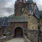 В старинном замке