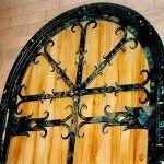 Декор коваными элементами