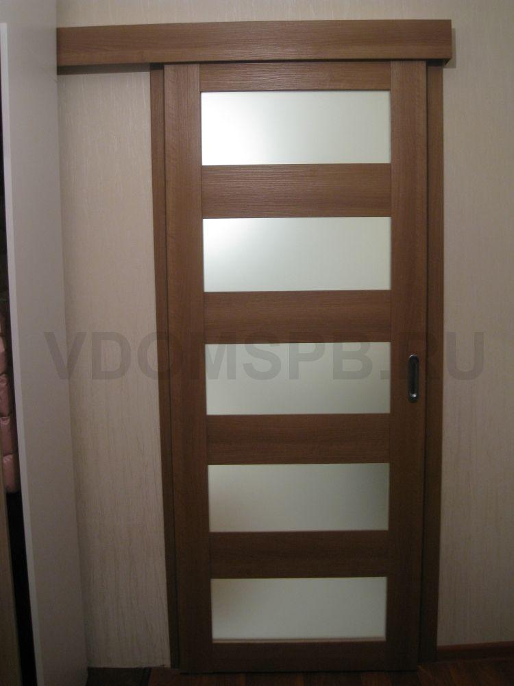 Раздвижная дверь с отделкой из экошпона