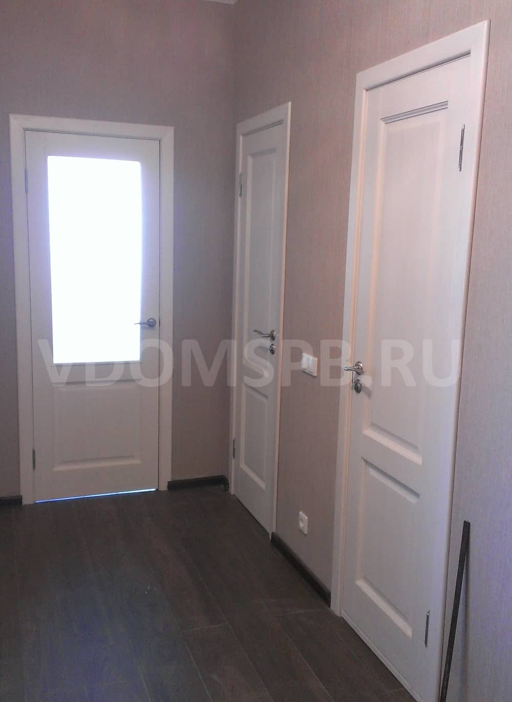 Двери из массива сосны с покрытием белый воск