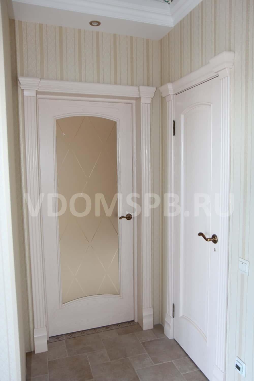Белые двери с матовым стеклом Ромб