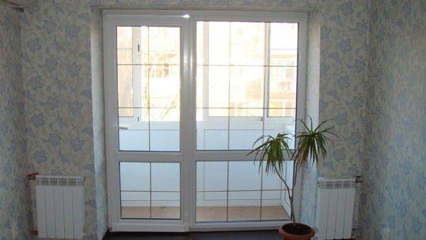 Дверь с декоративной раскладкой