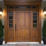 Парадные двери из массива дерева