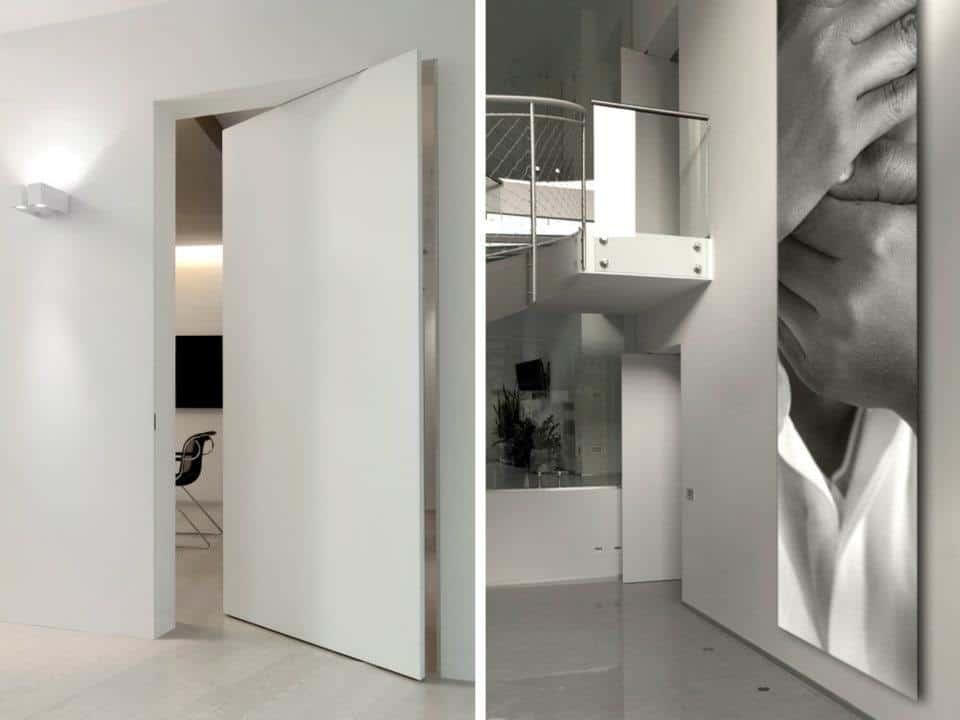 Интерьер с невидимой маятниковой дверью
