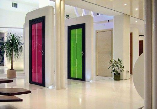 Дверь в стиле Хай-тек