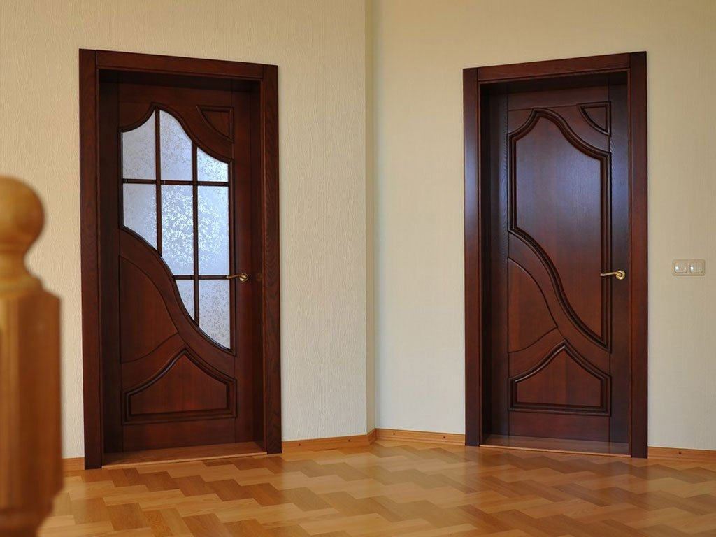 Вторая дверь позволяет поддержать общий дизайн квартиры