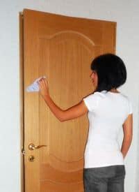 Чистка дверного полотна
