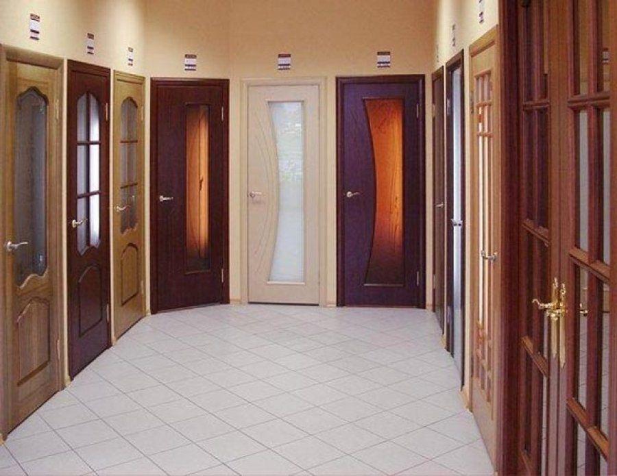 Выбираем дверь по стилю изготовления