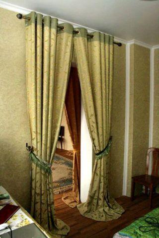 Декоративная штора на дверной проем