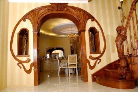 Деревянная арка в интерьере