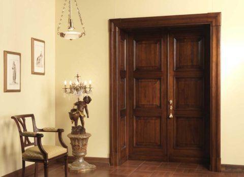 Доборы позволяют быстро и просто отделать дверной проем