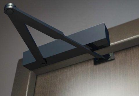 Доводчики этого типа ставятся на калитках и входных дверях