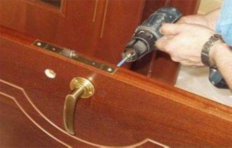 двери межкомнатные установка своими руками