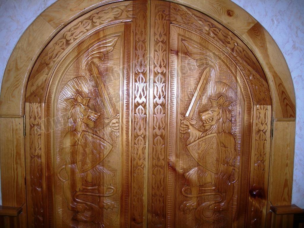 Двери резная для бани