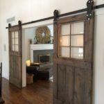 Двери в деревенском стиле