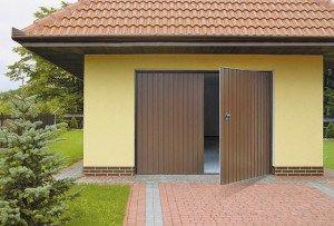 Двери-ворота с распашной конструкцией
