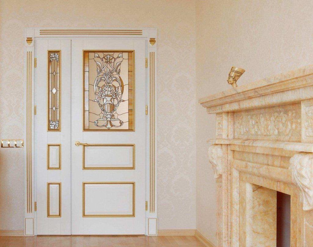 Дверной блок с асимметричными полотнами