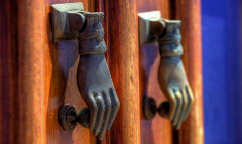Дверные ручки в ретро стиле