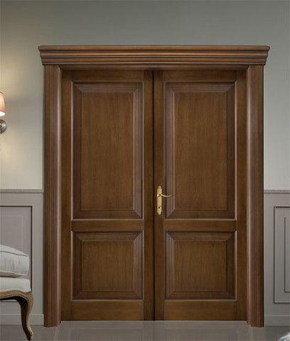 Двухстворчатые деревянные двери из массива