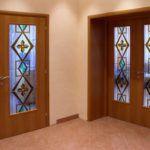 Геометрические фигуры на дверях