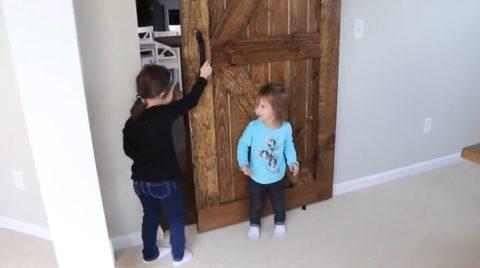 Готовая сарайная дверь