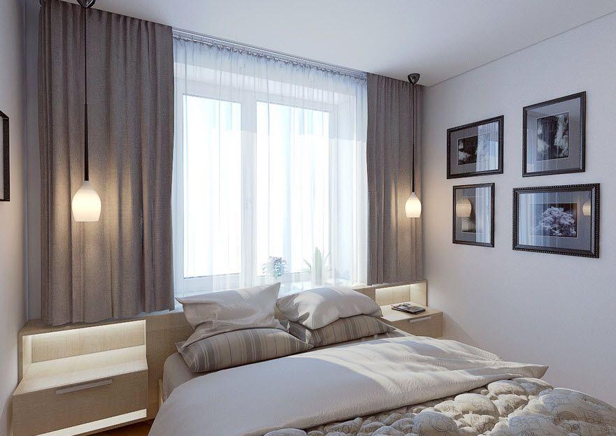 Интерьер комнаты: окно напротив двери