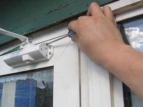 как отрегулировать двери металлические