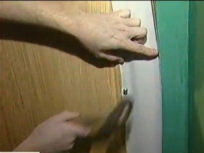 как утеплить металлическую дверь видео