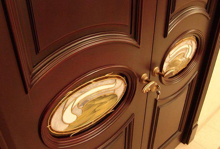 Какие двери лучше пвх или шпонированные