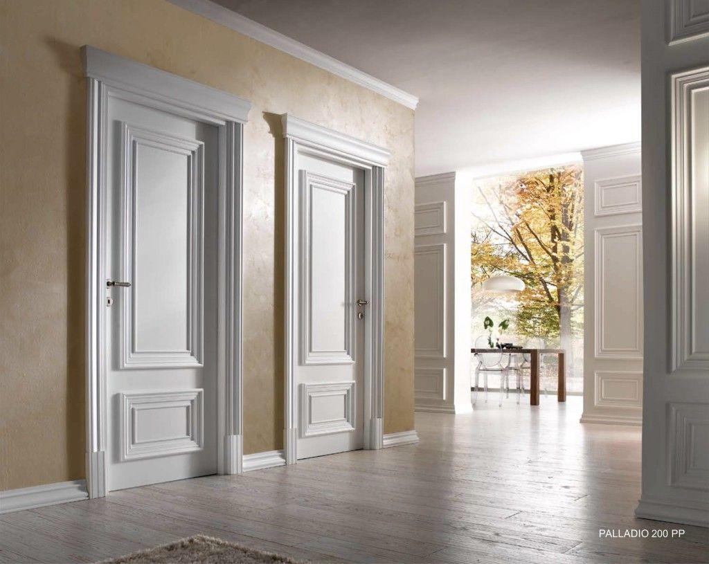 Классический интерьер с филёнчатыми дверями