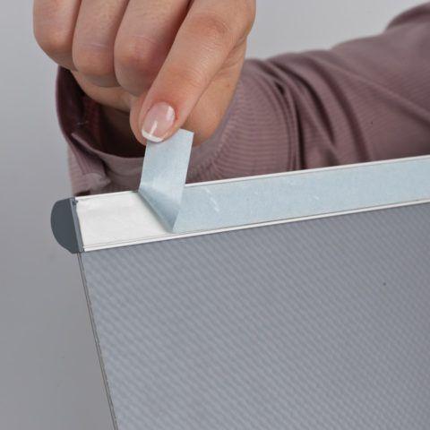 Клейкая лента для крепления таблицы