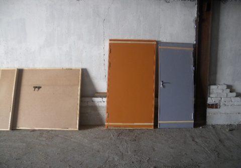 Люки и технические двери