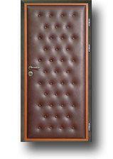 Применение искусственной кожи в отделке двери