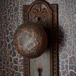 Металлическая дверь с эффектом старого покрытия