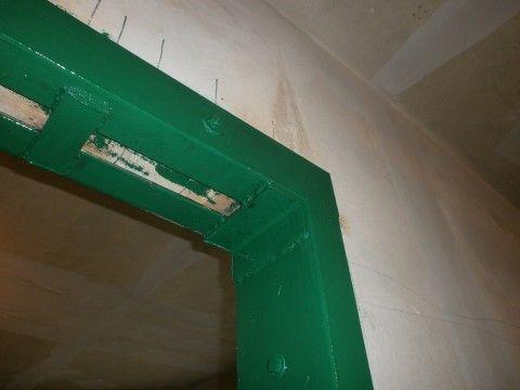 Металлическая дверная коробка