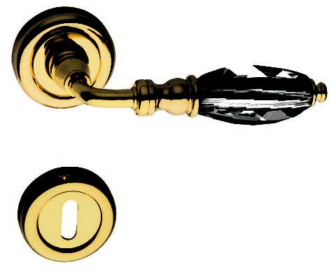 Модели с металлическим стержнем и стеклянной вставкой обладают высокой прочностью и визуальной «легкостью»