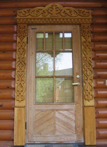 Наличник дверной резной с накладным узором