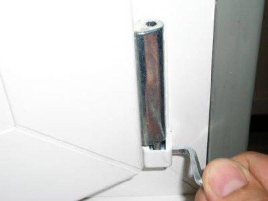 настройка двери пластиковой