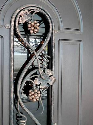 Необычная фурнитура для двери