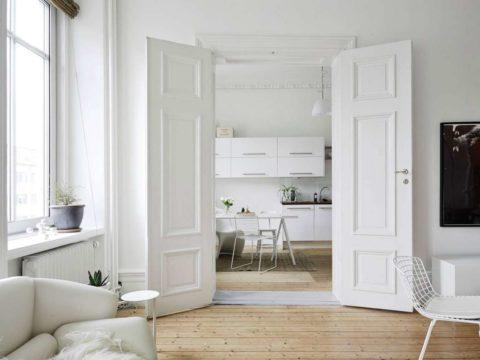 Нежный воздушный интерьер можно создать при окрашивании полотен в цвет стен