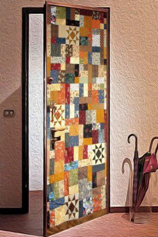 Облицовка дверного полотна сшитым из лоскутов материалом