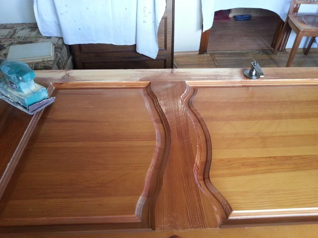 Обновлённое полотно деревянной двери