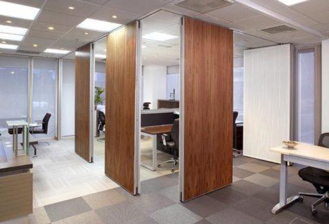 Офис компании, занимающейся установкой дверей