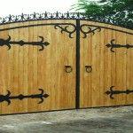 Полукруглые деревянные ворота для стильного дома