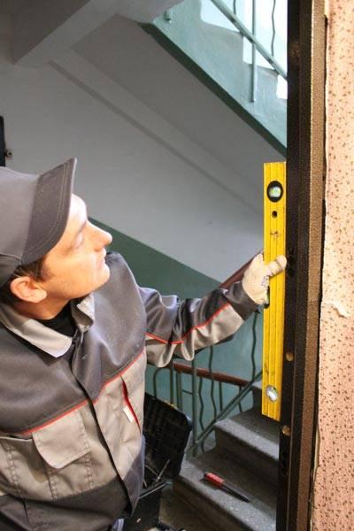 правильная установка дверей входных