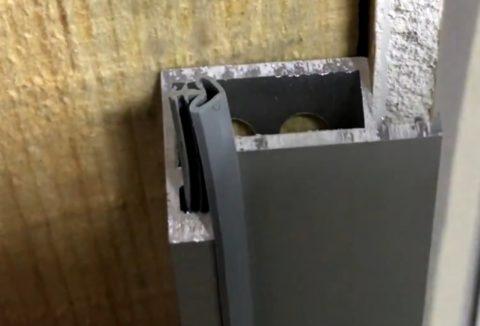 Примыкание профиля коробки к стене, обшитой гипсокартоном