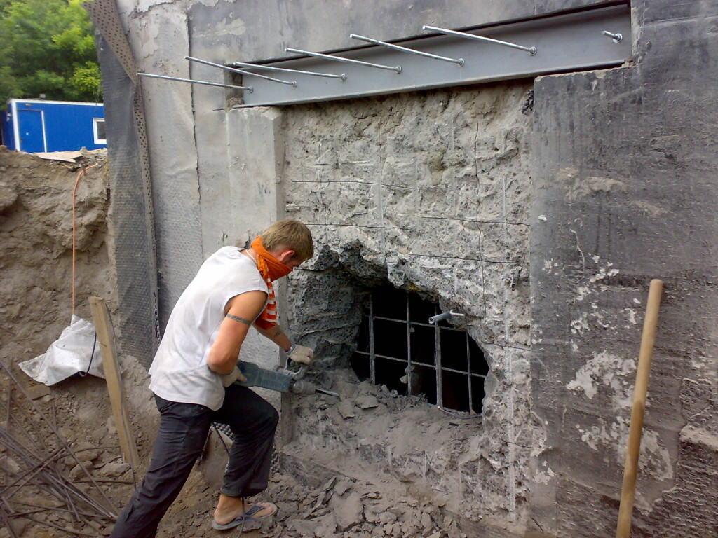 Пробивка и усиление дверного проёма в несущей стене
