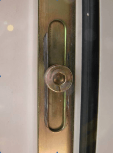 регулировка прижима пластиковой двери