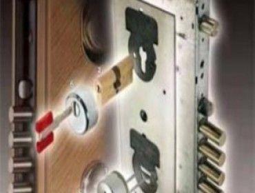 ремонт двери металлической