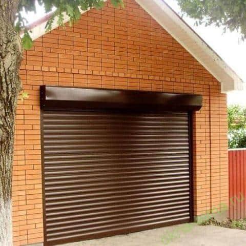 Роллетные ворота в гараже